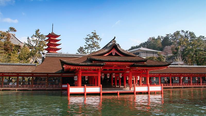 厳島神社へ行く人気の格安日帰りバスツアー | 日帰りバス旅行会社